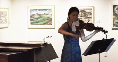Lynnwood Times photo by Luke Putvin. Pamela Liu performing at Cascadia Art Museum on July 20.